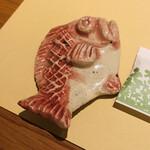 かどやムスブ - その他写真:箸置きも鯛