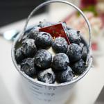 シュクル - 料理写真:ブルーベリーのバスケット 360円
