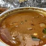 ピーパルツリー - 料理写真:チキンマサラカレー