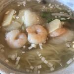川菜味 - 海老の塩味麺820円。かなりアッサリしていますが、コクのあるスープです。海老入りのあんかけが、さらにコクを出していて、細麺とも相性良く、美味しくいただきました(^。^)