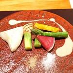 神楽坂 鉄板焼 中むら - 焼き野菜  かぼちゃ、グリーンアスパラガス、紅芯大根、玉ねぎ、白霊茸、白味噌のクリームソースで