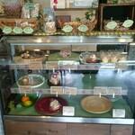 ケーキとコーヒーのお店 木音 - スイーツ コーナー