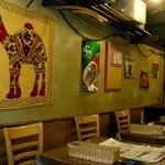 13696023 - ここではタイ料理・ベトナム料理・沖縄料理が食べられるんだ。