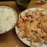 江戸清 - 「ごはんは炊きたて、熱いけどおいしいよ!」