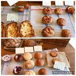 クロア - 料理写真:土曜朝のラインナップ(レジ横のお食事パン、甘いソフトパン)