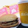 マクドナルド - 料理写真:ベーコンマックポークとカフェラテ