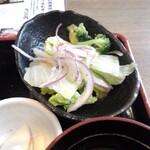 上大岡 肉寿司 - サラダ