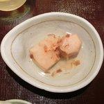 13697071 - 海鮮五色納豆定食 900円 の里芋の煮物