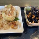 キッチン SALA - 定食に付いているひじきの煮物と揚げ出し豆腐