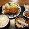 日進第一 - 料理写真:ロースカツ(上)定食