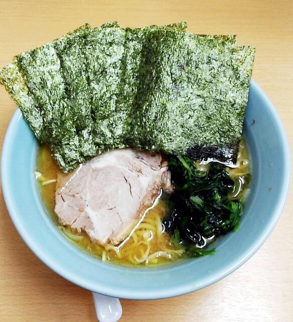 秀吉家 - ラーメン650円麺硬め。海苔増し50円。