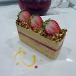カフェ ドグレース - 2012年6月 ピスタチオのケーキ
