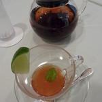 カフェ ドグレース - 2012年6月 この時期だけの紅茶「コンフィチュールティー グレープフルーツ」