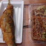 136984524 - ソース焼きそば(¥450)とヒメマス唐揚げ(¥850)。                       唐揚げは注文する価値あります。