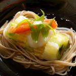 浅葱  - ズワイガニと帆立貝の蒸籠蕎麦 八方餡