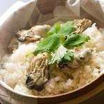 浅葱  - 牡蠣と帆立貝柱の蒸しご飯