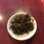 元祖糸島ラーメン 銅鑼 - 辛子高菜!