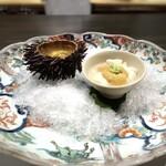 136996943 - 雲丹食べ比べ。藍島の赤雲丹、唐津の赤雲丹