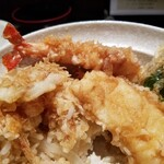 天ぷら つな八 - タネの表情。