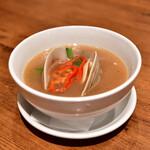 鉄板中華 青山シャンウェイ - 【神楽坂限定コース@3,980円】白はまぐりと野菜のスープ煮