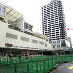 13701195 - 天王寺駅前です。