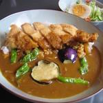 京富庵 - 鶏カツカレー