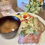 Community Cafe ♭ - kotaki kitchenさんのローストビーフプレート