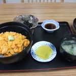 13702756 - 生ウニ丼(バフンウニ100%)