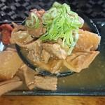 大和町もつ肉店 - 煮込み