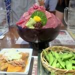 たいこ茶屋 - 半沢セット(大トロ、中トロ、赤身が盛られたドンブリは二郎のマシマシみたいで凄い量!)