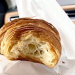 ショウパン アルティザン ベイクハウス - 料理写真:さくっさくで豊潤