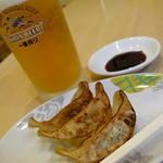 つけめん 彩香  - 暑い夏はビールに餃子!