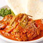 エラドゥーラ - 当店で一番辛いけど、旨い!鶏のトマトソース煮込み