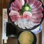かにかにKAN魚粋 - 大漁丼〜ヒラメに代わりましてタイ~