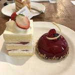 137043004 - ガトーフレーズとベリーのレアチーズケーキ