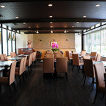 丹波ワインハウス - リニューアルしたレストラン「du Tamba」。ぶどう畑を一望できます。。