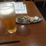 昇 - 料理写真:お通しとビール
