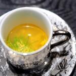 麻布十番松栄寿司 - 季節の一口スープ(藻屑蟹のスープ)