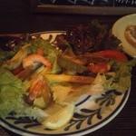 メキシコ料理エルソル - サラダタコス680円。レタスも高騰中ですよねー。