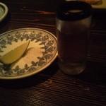 メキシコ料理エルソル - 見慣れないボトル(アネホ)があったのでオーダー。ショットでなんと500円。
