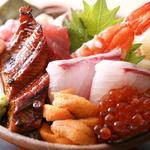 若竹寿し - 料理写真:豪華メガ盛りの名物ご当地海鮮丼!!1,500円で超お得です!!