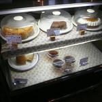 女性が輝くレストランKandy - ケーキのショーケース