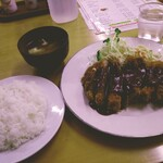 137080192 - ロースカツ定食¥1220