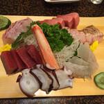 大和寿司 - 刺身の盛り合わせ