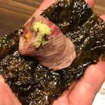 魚房三徳 - 牛肉ウニ巻き、韓国のりで巻く