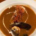 カサ・デ・フジモリ - 魚介のスープ