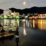 Tsurukikyo - お店を出ると、瀬田川の対岸の灯りが川面にキラキラと映り込んで美しい~。楽しい一日となりました。