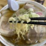 らーめん一平 - 麺アップ