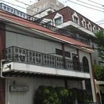 13710462 - 201207 銀杏の木は精養軒の中にあります 外観.jpg