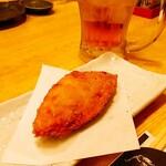 海鮮炭焼処とら太 - お通し白身魚のフライ